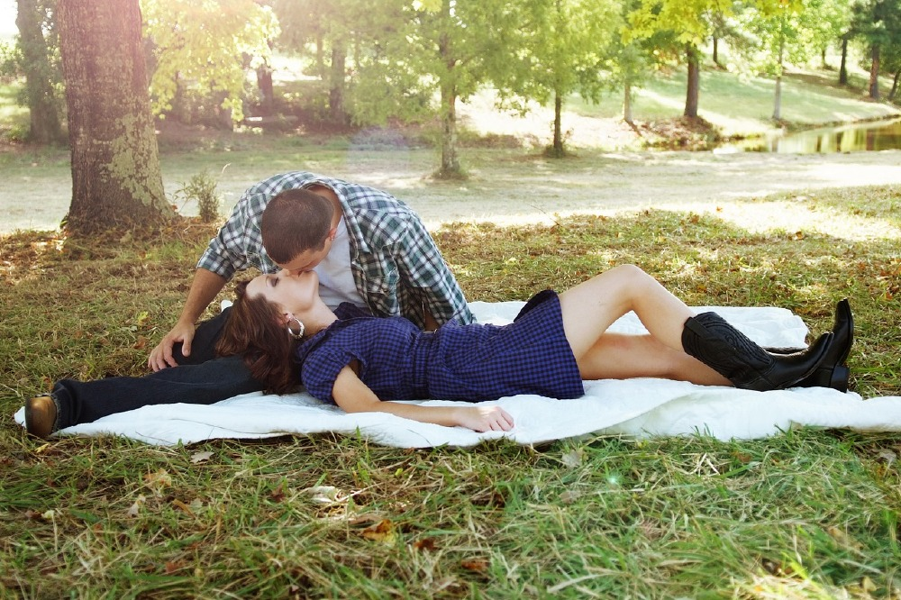 Sex In Public: Thrilling Or Stupid?