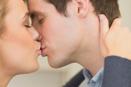 Top ten kissing tips!